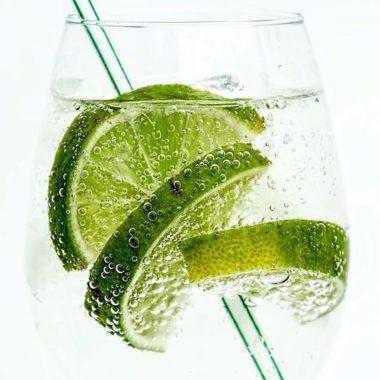 Szklanka wody dla Seniora